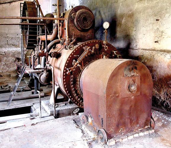 Polustacionarni lokomobil, proizveden u njemačkoj tvornici Güttler & Co., 1938., Brinje