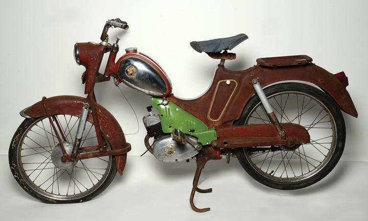 Moped <em>TMZ50SL,</em> proizveden u Tvornici motora Zagreb 1960., Tehnički muzej Nikola Tesla, Zagreb