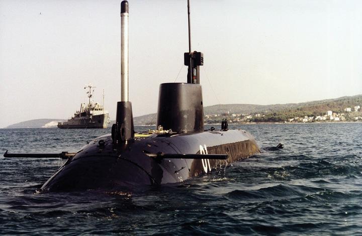 Podmornica <em>P-01-Velebit,</em> diverzantska podmornica klase <em>Una</em> modernizirana u splitskom Brodogradilištu specijalnih objekata, 1996., danas u sastavu HRM-a
