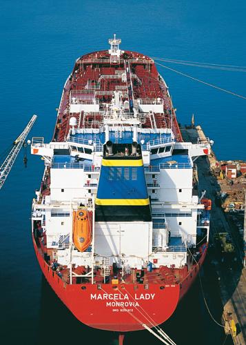 Tanker za prerađevine <em>Marcela Lady,</em> nosivosti 46683t, izgrađen u riječkom brodogradilištu 3.maj, 2004.