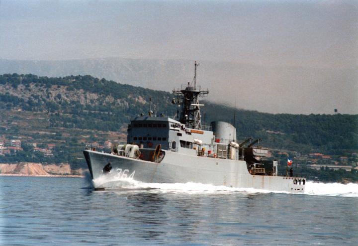 Školska fregata <em>Hajar Dewantara,</em> izgrađena za indonezijsku ratnu mornaricu u splitskom Brodogradilištu specijalnih objekata, 1981.