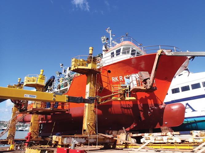 Ribarski brod <em>Gira I</em> na remontu u Brodogradilištu Punat na Krku, 2017.