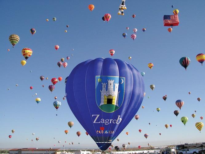 Prvi zagrebački balon na najvećem balonaškom natjecanju na svijetu u Albuquerqui, New Mexico, 2004