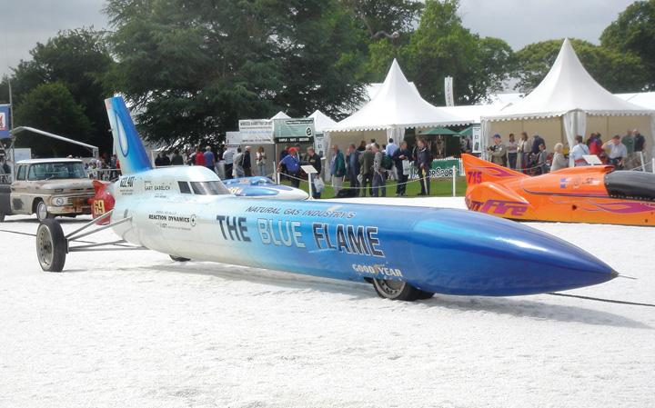 Automobil <em>Blue Flame,</em> američke proizvodnje, kojim je G. Gabelich 1970. srušio svjetski brzinski rekord na zemlji