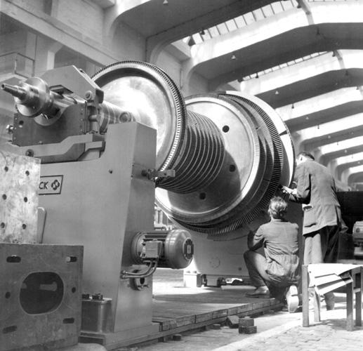 Montiranje lopatica na rotor turbine trampera, Jugoturbina
