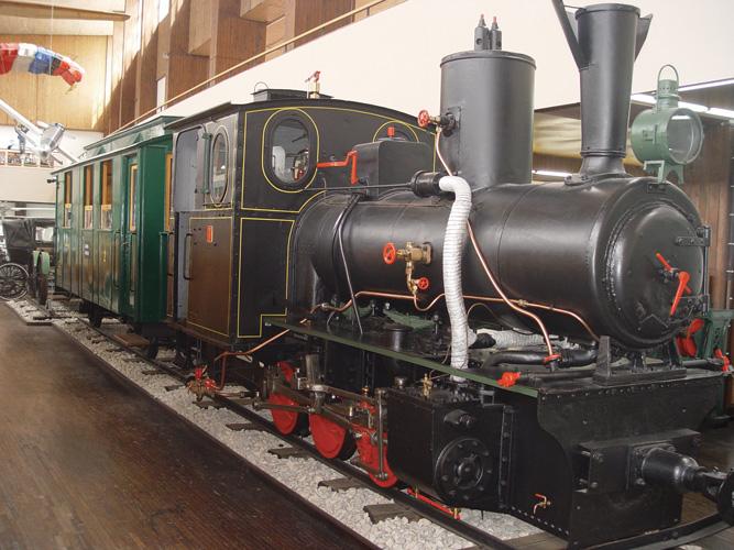 Parna lokomotiva <em>Samoborček</em> sa željezničkim kolima, Tehnički muzej Nikola Tesla, Zagreb