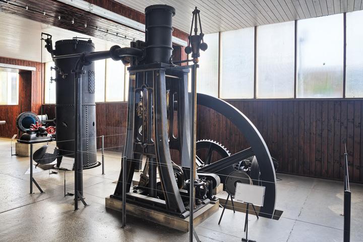 Stojeći stapni parni stroj, prva polovica XIX.st., Tehnički muzej Nikola Tesla, Zagreb