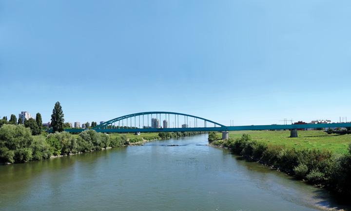 Željeznički most preko Save, Zagreb