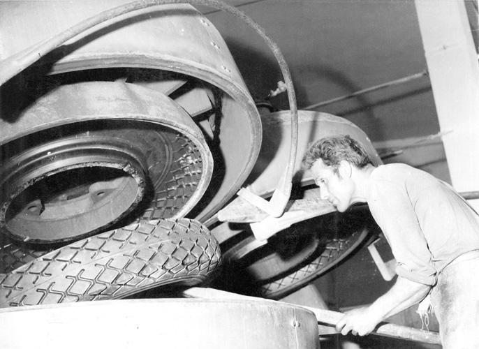 Izradba autoguma u tvornici Borovo, 1960-ih