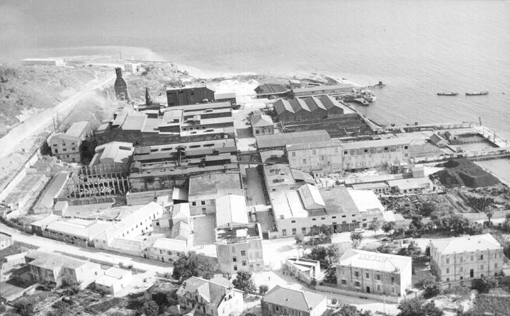 Pogled iz  zraka na mjesto i tvornicu, druga polovica XX.st.